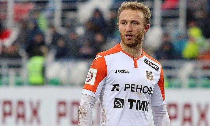 Капитанът на Армения отиде на война, спря с футбола