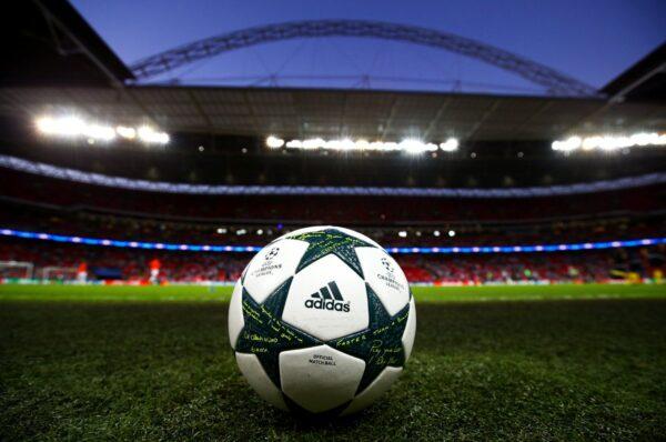 Предстоят разговори, при които финалът на Шампионската лига между Челси и Манчестър Сити може да бъде преместен от Истанбул в Лондон на Уембли.