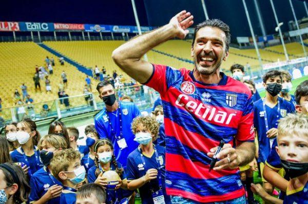 Буфон се завръща сензационно в Парма, след като напусна Ювентус